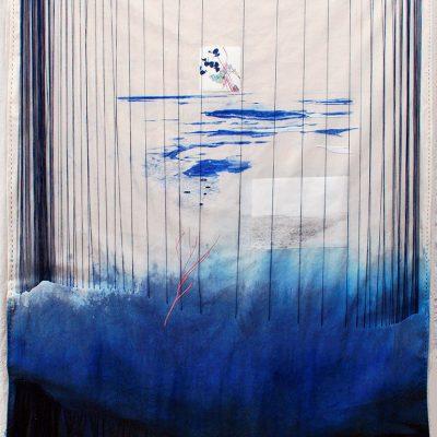 Hamada, 2018. Temple de goma, lápiz pastel, acuarela, grafito, bordado, tela y papel, 138 x 103 cm